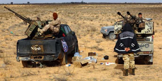Des combattants de la coalition de milices Fajr Libya, qui contrôle Tripoli et Misrata. Celle-ci a annoncé, vendredi 16 janvier, un cessez-le-feu sur tous les fronts.