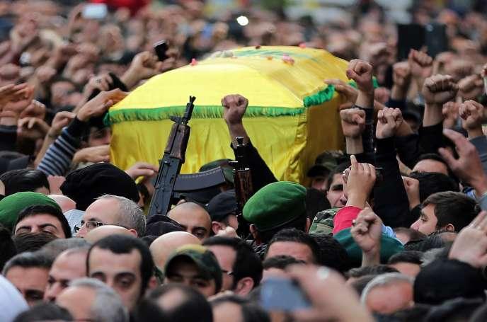 Les funérailles, à Beyrouth, lundi 19 janvier 2015, de Jihad Moughniyeh, cadre du Hezbollah tué par l'armée israélienne dimanche.