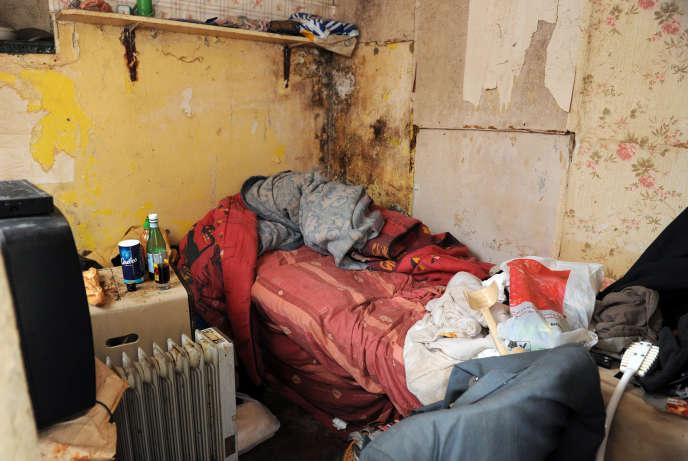 Une chambre insalubre, à Soisson, en 2013.
