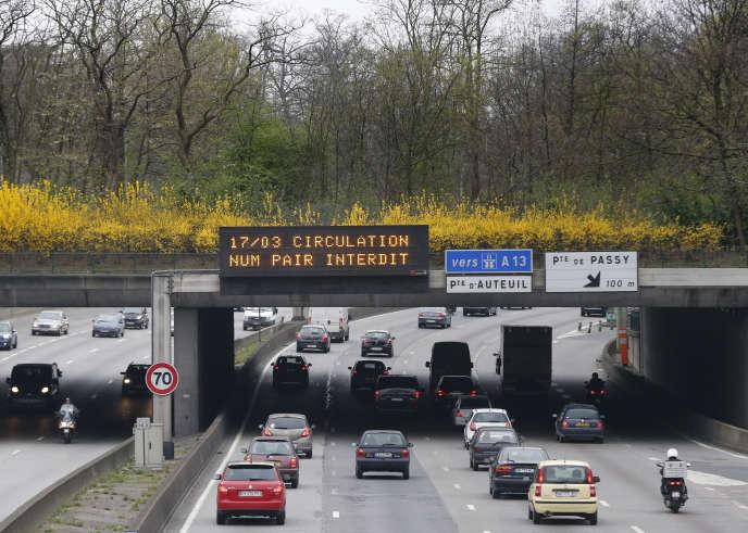 L'abrasion des pneus, du revêtement routier et du freinage sont responsables de 41 % des particules fines en suspension émises par le trafic routier francilien.