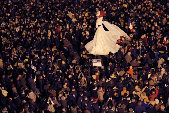 Dans la manifestation parisienne, le dimanche 11 janvier au soir.