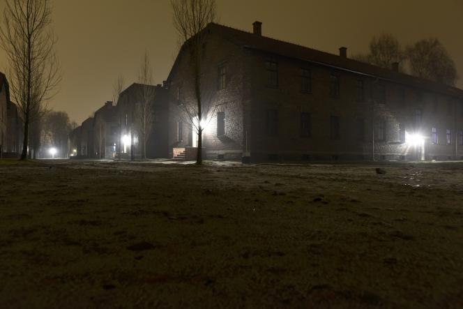 Le camp d'extermination d'Auschwitz, devenu symbole de la barbarie nazi, commémorera les 70 ans de sa libération le 27 janvier 2015.