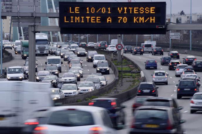 La vitesse maximale sur le boulevard périphérique est passée de 80 à 70 km/h en janvier 2014.