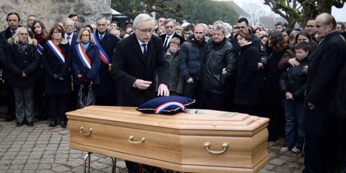 Le ministre du travail François Rebsamen était présent aux obsèques de Frédéric Boisseau,