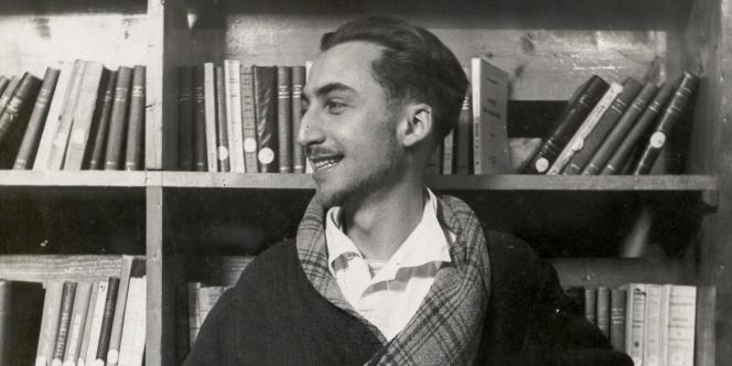 Le centenaire de la naissance de Roland Barthes (1915-1980) (photo : en 1943, au sanatorium) s'ouvre sous les meilleurs auspices avec la biographie sensible et chaleureuse que signe Tiphaine Samoyault.