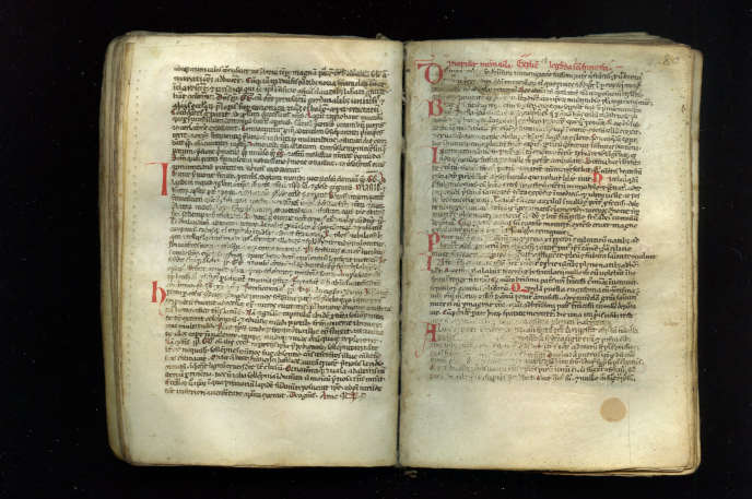 Le manuscrit découvert est un très petit volume (120 × 82mm) composé de 122 feuillets, couverts de caractères minuscules et partiellement effacés.