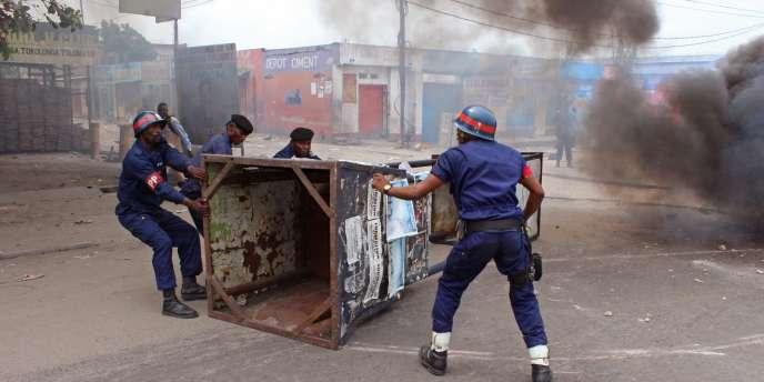 Pour le troisième jour d'affilée, les violences ont repris, mercredi 21 janvier dans la capitale, où la police est intervenue pour disperser de nouveaux rassemblements de jeunes hostiles au président congolais Joseph Kabila.