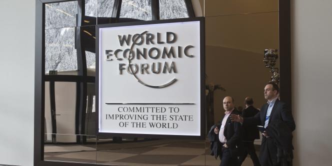 Chaque mois de janvier, la petite commune de Davos, dans l'est de la Suisse, 12 000 habitants en temps normal, se transforme pendant quelques jours en centre économique regardé dans le monde entier.