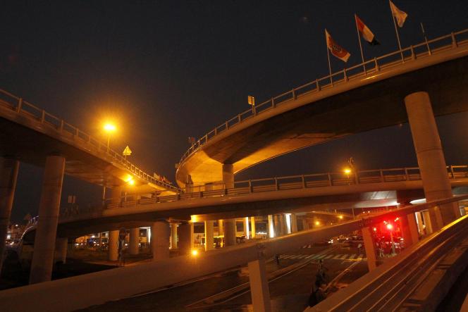 Le 3e pont d'Abidjan est le premier ouvrage financé grâce à un partenariat-public-privé dans le domaine des transports, en Afrique subsaharienne.