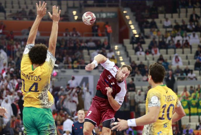 Bertrand Roiné, lors du match d'ouverture du Mondial entre le Qatar et le Brésil, samedi 15 janvier, à Doha.
