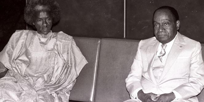 L'ancien président du Tchad, Goukouni Oueddei, reçu à Abidjan par Félix Houphouët-Boigny le 7 avril 1987.