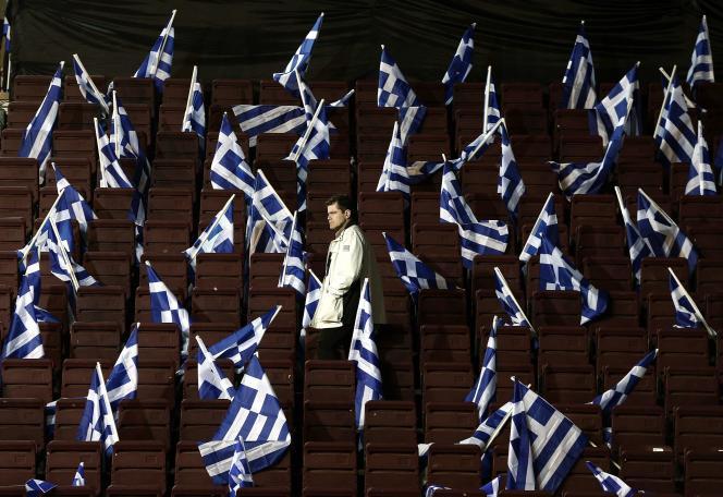 Avant un meeting du premier ministre sortant, Antonis Samaras (Nouvelle Démocratie, droite conservatrice), le 23 janvier 2015, à Athènes.