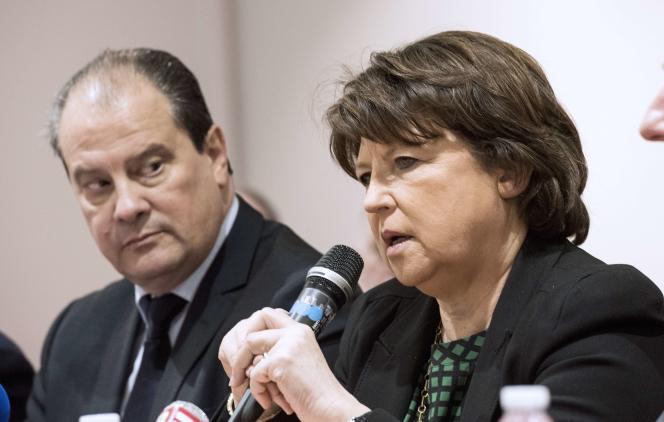 La maire de Lille Martine Aubry (avec le premier secrétaire secrétaire du PS Jean-Christophe Cambadélis) à Lille le 23 janvier.