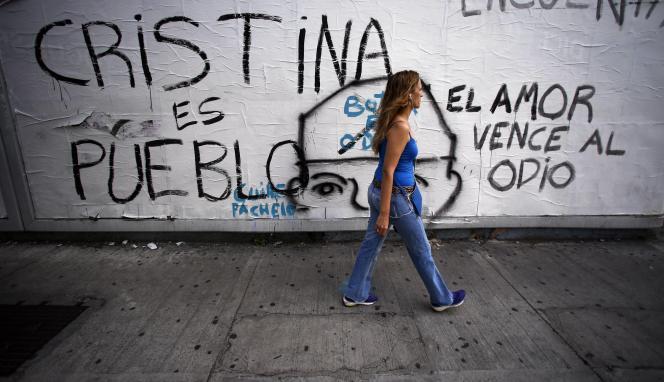 A Buenos Aires, le 24 janvier. Sur le mur :