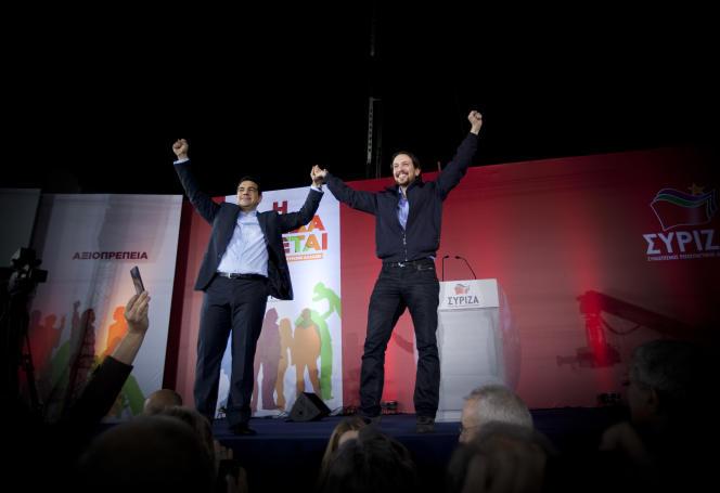 Le leader de Podemos, Pablo Iglesias (à droite), et Alexis Tsipras, chef de file de Syriza, à Athènes, le 22janvier.