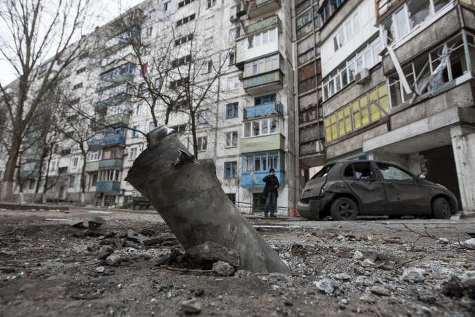 Les séparatistes prorusses de Donetsk ont mené, samedi 24 janvier, une offensive sur le port stratégique de Marioupol, dans le sud-est de l'Ukraine. Cette attaque a causé la mort d'au moins 30 civils et fait plus de 80 blessés.