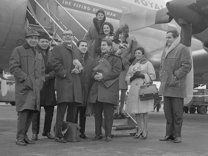 Les Swingle Singers, en mars 1964.