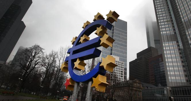 Devant la Banque centrale européenne à Francfort, le 26 janvier.