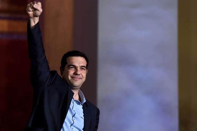 Alexis Tsipras, le leader de Syriza, fête sa victoire aux législatives, dimanche 25 janvier, à Athènes