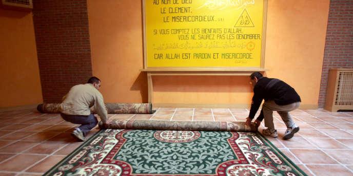 Une salle de prière au sein de l'unité de déradicalisation de la maison d'arrêt d'Osny, dans le Val-d'Oise.
