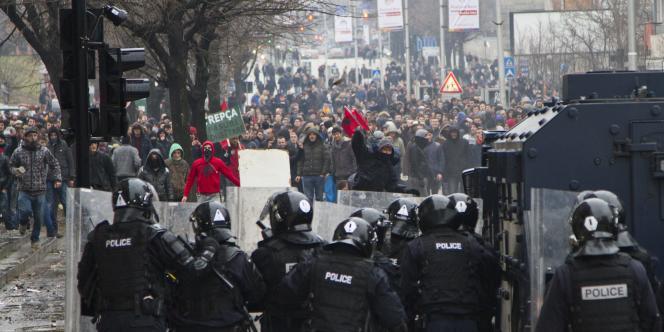 Plus d'une centaine de manifestants ont été interpellés après les violents incidents, selon la police,