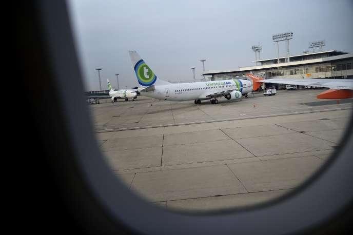 Un Boeing de Transavia sur le tarmac de l'aéroport d'Orly.