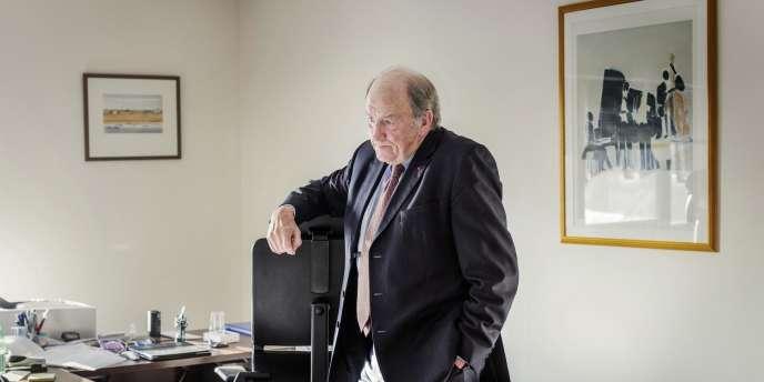 Jacques Lambert dans son bureau parisien, le 14 janvier.