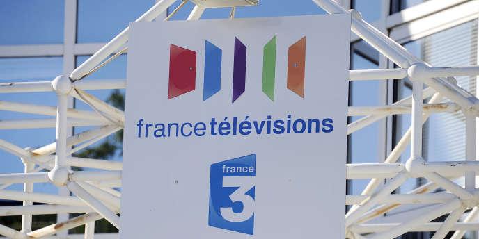 Les logos de France Télévisions et de la chaîne France 3.