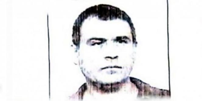 Photographie d'Antonio Stiuso, leader présumé des écoutes téléphoniques au sein des renseignements argentins, présentée en 2004 à la télévision argentine par le ministre de la justice.