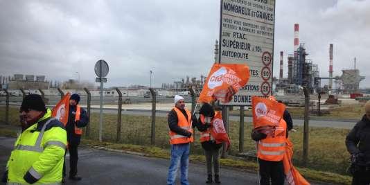 Blocage de la raffinerie de Grandpuits (Seine-et-Marne), le 28 janvier 2015.