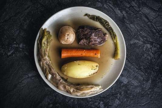 Bouillon raffiné, viande fine et diverses épices constituent le secret de ce« potof» à quatre mains.
