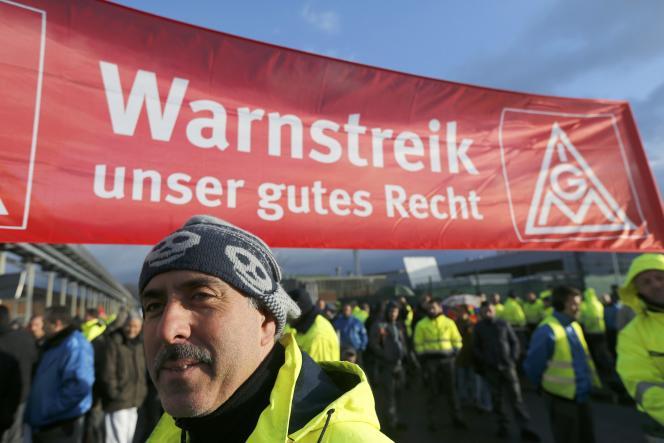 Manifestation de salariés l'usine Ford de Cologne, le 29 janvier.