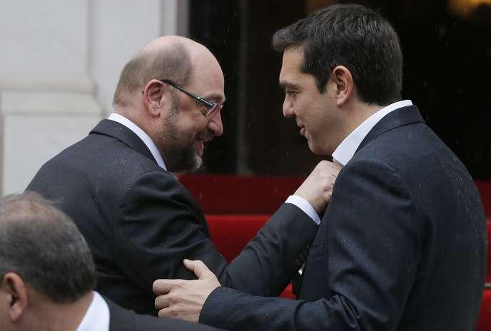 Le président du Parlement européen, Martin Schulz, et le premier ministre grec, Alexis Stipras,  le 29 janvier à Athènes.