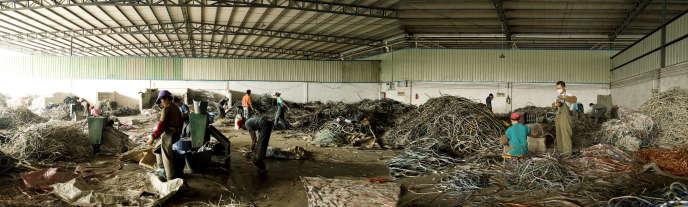 Longtang, village de démantelement de câbles électriques.