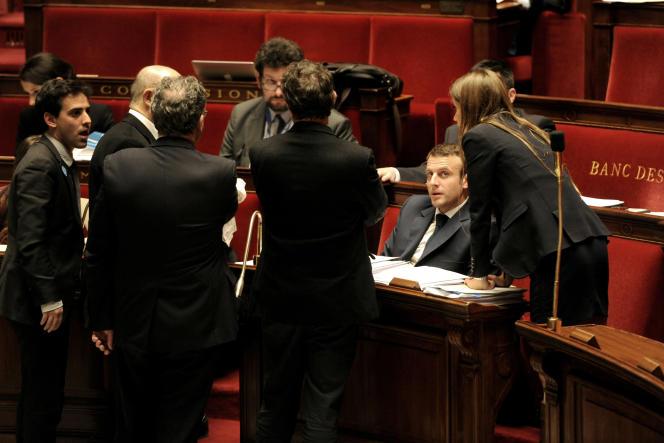 Le ministre de l'économie, Emmanuel Macron, à l'Assemblée nationale.