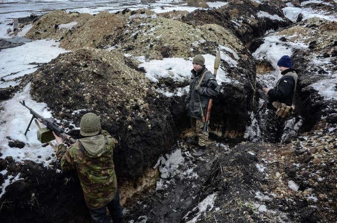 Des combattants du bataillon «Donbass», dans la région de Debaltsevo (est de l'Ukraine), le 30janvier.