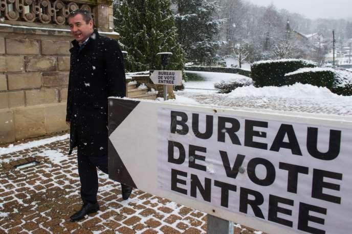 Le candidat socialiste pour la législative partielle dans la quatrième circonscription du Doubs, Frédérique Barbier, le dimanche 1er février.