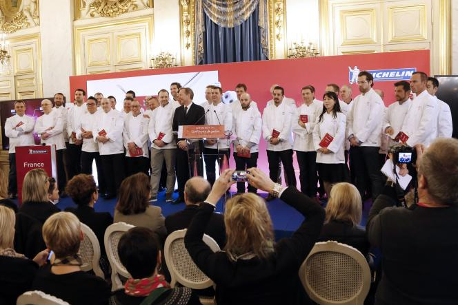 Les chefs récompensés par le guide Michelin, le 2 février 2015, à Paris.