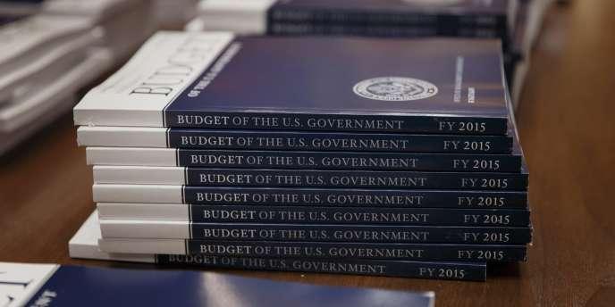 M. Obama propose en particulier un plan d'investissement de six ans dans les infrastructures (routes, ponts,etc.) d'un montant de 478 milliards de dollars.