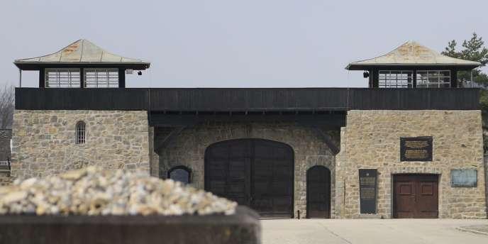 Un visiteur du camp a découvert dimanche1erfévrier la profanation de ce qui est devenu un mémorial aux victimes déportées. L'inscription «Hitler» a également été retrouvée sur un mur.