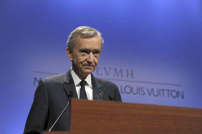 Bernard Arnault, PDG du groupe, se félicite que Louis Vuitton ait augmenté ses ventes de 10 % au deuxième trimestre