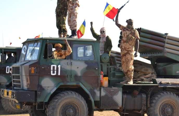 Des soldats tchadiens, aux abords de la ville de  Gamboru, reprise à la secte islamiste Boko Haram, le 3 février.