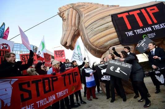 Manifestations à Bruxelles le 4 février contre le Transatlantic Trade and Investment Pact (TTIP).