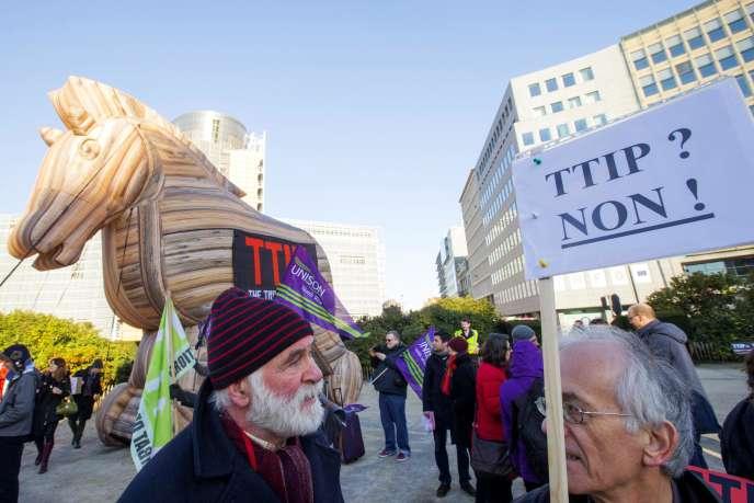 Une manifestation à Bruxelles, début février, contre le traité transatlantique
