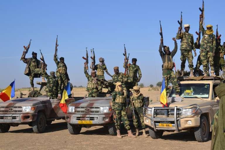 Des troupes tchadiennes près de la ville nigériane de Gamboru, reprise à Boko Haram le 3février.