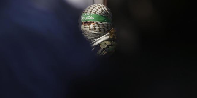 Un membre du Hamas suit une conférence de différentes organisations palestiniennes, à Gaza, le 5février.