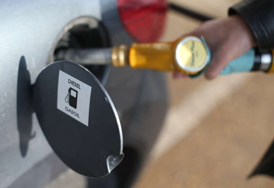 Un rapport sur les émission polluantes des véhicules diesel, rendu le 29 juillet, ne permet pas de faire totalement la transparence sur les pratiques des constructeurs automobiles.