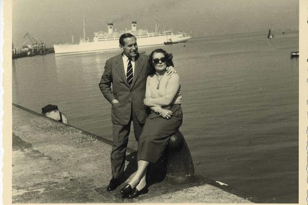 Marié à une Française, Hélène Cornette, Pedro Urraca est nommé à l'ambassade d'Espagne à Paris, en 1939.