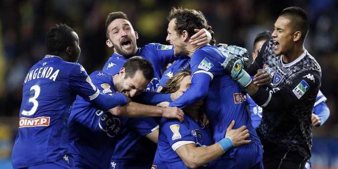 Les joueurs de Bastia exultent lors de la 1/2 finale de la Coupe de la Ligue.