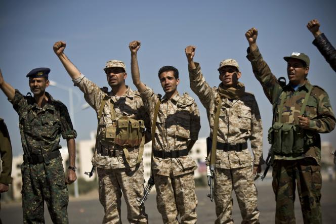 Des Yéménites chiites de la milice des houthis, à Sanaa, le 4 février.